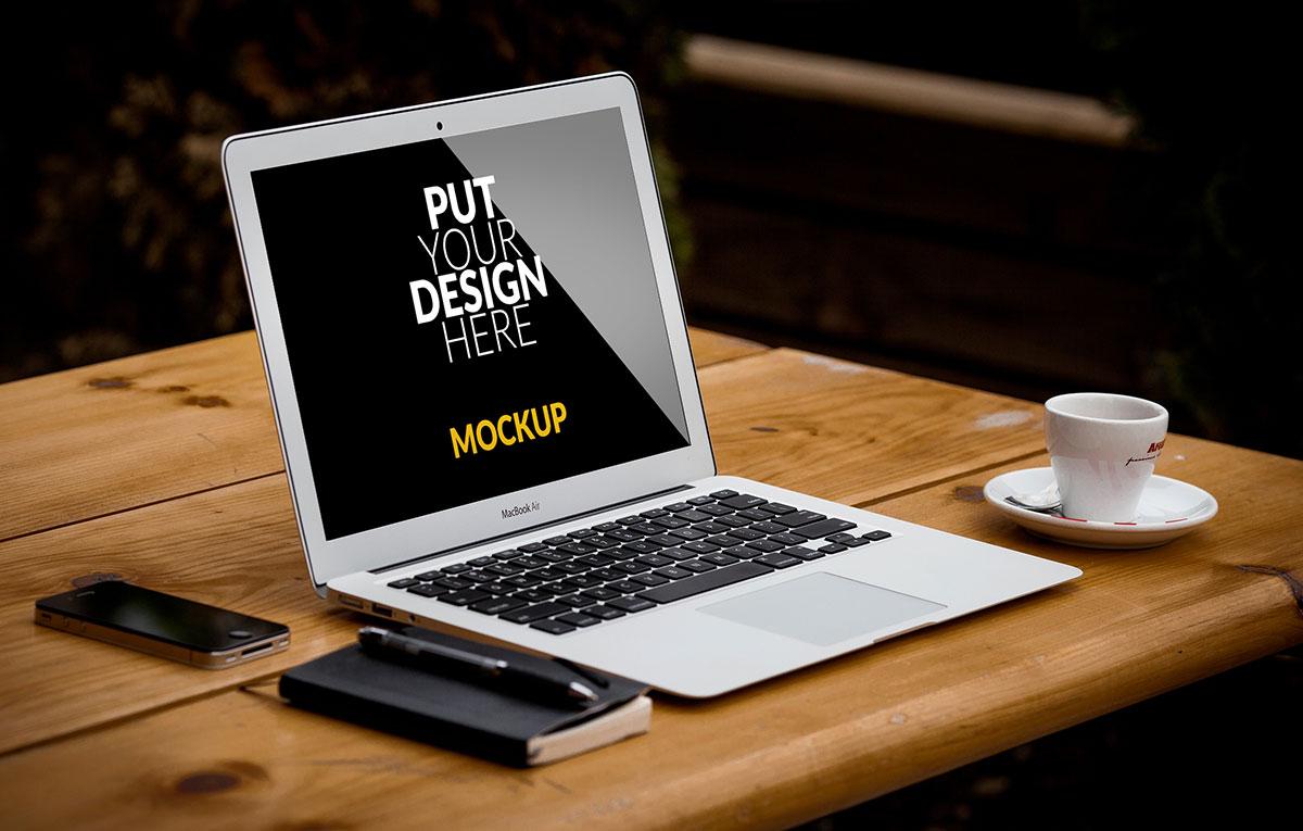 ماکاپ لپ تاپ coffeeshop